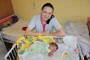 Rodiče Veronika Fraňková a Jiří Fulín se radují z dcerky Veroniky Fulínové, která se narodila 28. února v 16.15. Po narození vážila 3900 gramů a měřila 49 centimetrů. Doma v Krusičanech na ni čeká bratr Jiří (5).