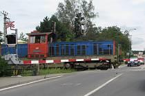 Od pondělí 23. března jsou mezi Týncem nad Sázavou a Skochovicemi týdenní nepřetržíté výluky. Autobusy dovezou cestující k vlaku v Měchenicích. Omezení potrvá do poloviny května.