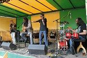 Skupina Kolben Dechber band zahájila sobotní program Na Koupáku ve Vlašimi.