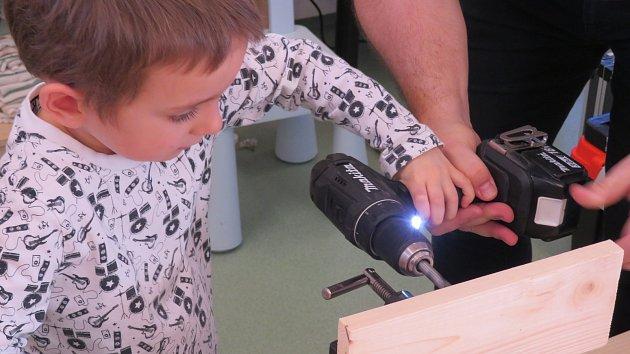 Děti se naučily jednu z polytechnických dovedností