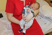 Zuzana Hrncsjarová a Aleš Horejsek jsou od 13. března šťastní díky synkovi Matějovi. Ten se narodil v 9.21. Vážil 3710 gramů a měřil 52 centimetrů. Doma v Říčanech na bratra čeká sestra Terezka (28 m).
