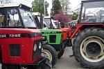 Sraz majitelů traktorů značky Zetor v Nahorubech.