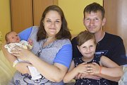 Manželé Eva a Richard Leblovi jsou od 12. srpna šťastnými rodiči malé Elišky. Ta se narodila v benešovské nemocnici ve2.25 sváhou 3190 gramů a mírou 50 centimetrů. Se svými rodiči a sestřičkou Emičkou (5) bude malá Eliška Leblová bydlet ve Vlašimi.