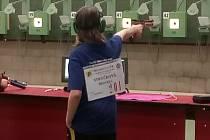 Začínající mladí pistoláři a pistolářky zbenešovského střeleckého klubu si vystříleli vkategorii družstev na střelnici vPlzni-Lobzích stříbrné medaile naMistrovství ČR ze vzduchových zbraní.