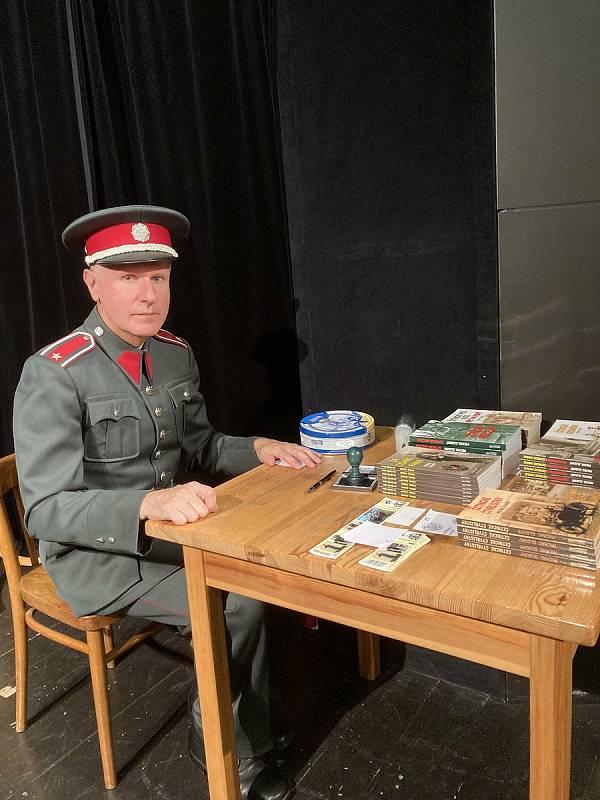 Beseda s podplukovníkem Michalem Dlouhým v Bystřici.
