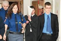 Čtrnáct let ve věznici se zvýšenou ostrahou si má podle pátečního verdiktu středočeského krajského soudu odsedět za vraždu své ženy Martin Vondrák z Vlašimska.