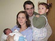 Agnieszka Antoniewicz a Jiří Šoun se od čtvrtka 17. prosince radují z nového přírůstku do rodiny. Stal se jím maličký Jirka, který se narodil ve tři čtvrtě na jedenáct večer v benešovské Nemocnici Rudolfa a Stefanie na gynekologicko– porodnickém oddělení.