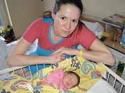 Dne 11. prosince ve čtvrt na devět dopoledne poprvé uviděla své rodiče, Veroniku Sadeckou a Constantina Daciu, prvorozená dcera Laura. Narodila se s porodní váhou 3 kilogramy a mírou 48 centimetrů.