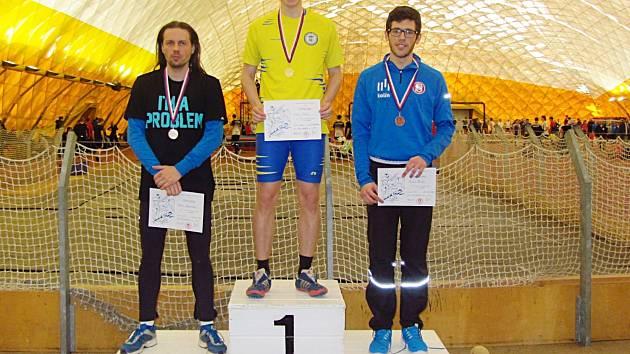 Roman Zápotocký, bral stříbro na šedesátce překážek v Praze na Stromovce na krajských přeborech.  Navíc je úspěšným trenérem Valentýny Přibylové a dalších vlašimských žákyň.