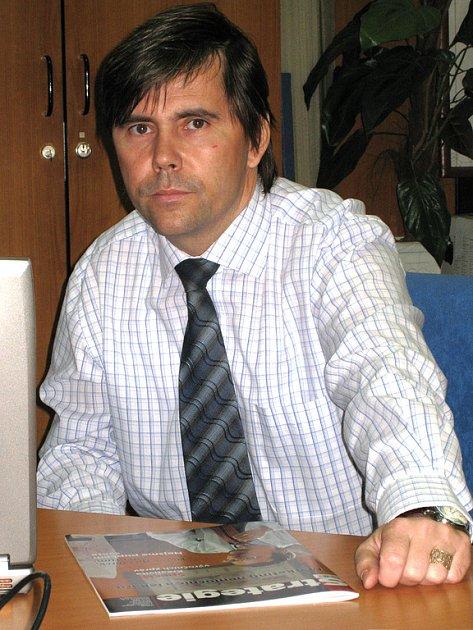 Miroslav Petrík, ředitel NRS, při on-line rozhovoru v redakci Benešovského deníku.