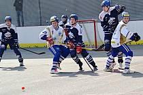 Vlašimští hokejbalisté sice doma prohráli s Alpiqem Kladno 2:3, přesto mají dvě kola před koncem již jistotu prvního místa po základní části extraligy.
