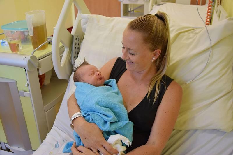Matyas Landovský se manželům Kateřině a Radkovi narodil v benešovské nemocnici 14. září 2021 ve 14.31 hodin, vážil 3780 gramů. Doma v Neveklově na něj čekali sourozenci Ellenka (5) a Patrik (2).