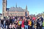Žáci vlašimské obchodní akademie v holandském Haagu.