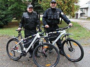 Benešovští strážníci představili služební kola.