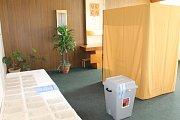 V Jankově voliči volili v místním městském úřadu.
