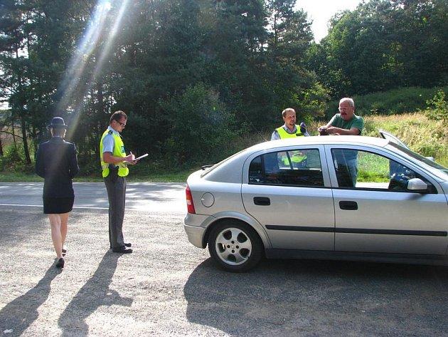 Policejní hlídky do večerních hodin kontrolovaly a monitorovaly dopravu na celém Benešovsku