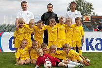 Fotbalová akademie Benešov skončila pod vedením Romana Filipa staršího (vlevo) a mladšího a Martina Bubeníka na 16. místě.