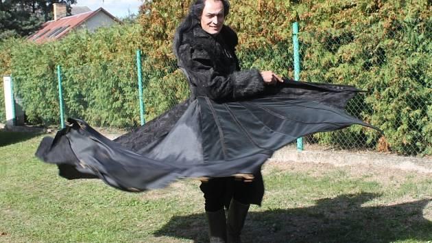 Podle kostýmní výtvarnice Lucie Uhlíkové byl z celé kolekce kostýmů nejnáročnější kostým upíra Ignáce.
