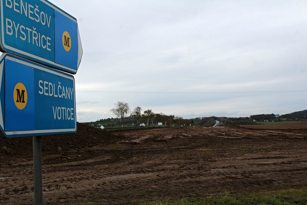 Z výstavby obchvatu Olbramovic.