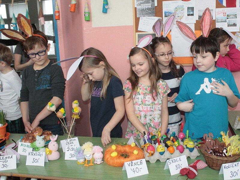 Velikonoční jarmark v ZŠ Jiráskova Benešov.