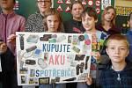 Žáci z votické školy se k ekologickému projektu také přidali.