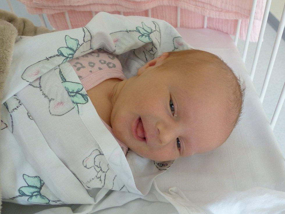 Zoe Rozkydalová se narodila 13. dubna 2021 v kolínské porodnici s váhou 3385 g. Do Benátek nad Jizerou odjela s maminkou Denisou a tatínkem Lukášem.