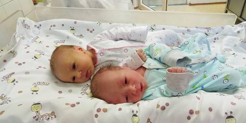 Dvojčátka Anna a Štěpán Levanovi se narodila 2. května 2021 v Čáslavi. Annička přišla na svět v 8.35 hodin. Vážila 2400 gramů a měřila 45 centimetrů. Štěpánek se na svět podíval v 8. 36 hodin a jeho míry byly 2280 gramů a 46 centimetrů. Domů do Močovic si