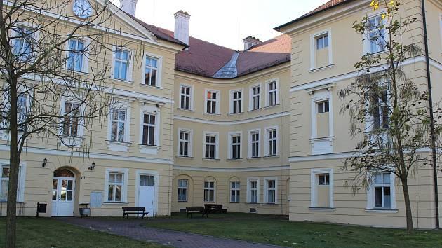 Centrum sociálních služeb Tloskov.