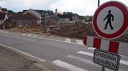 Budování kruhové křižovatky U Kozla.