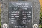 Údolí Kamenického potoka u Čakovic.