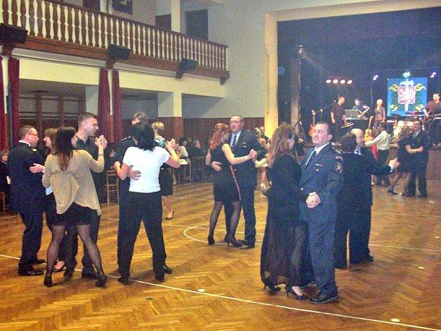 Hasičský ples ve Voticích.