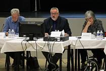 Vedení Benešova, zleva místostarosta Jiří Švadlena, starosta Petr Hostek a místostarostka Nataša Bruková.