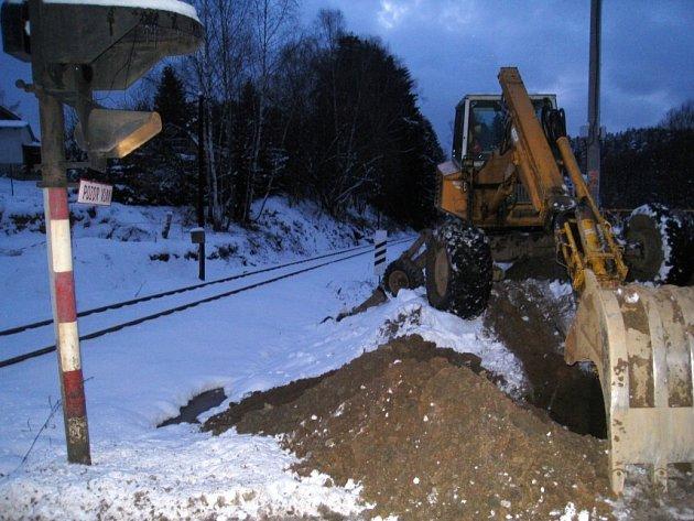 Do konce února 2009 by podle místostarosty  Martina Kadrnožky měla být zprovozněna kanalizace v týneckých osadách