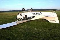 Bez zranění skončil přistávací manévr pilota s letadlem Maule na Letišti Benešov v Nesvačilech