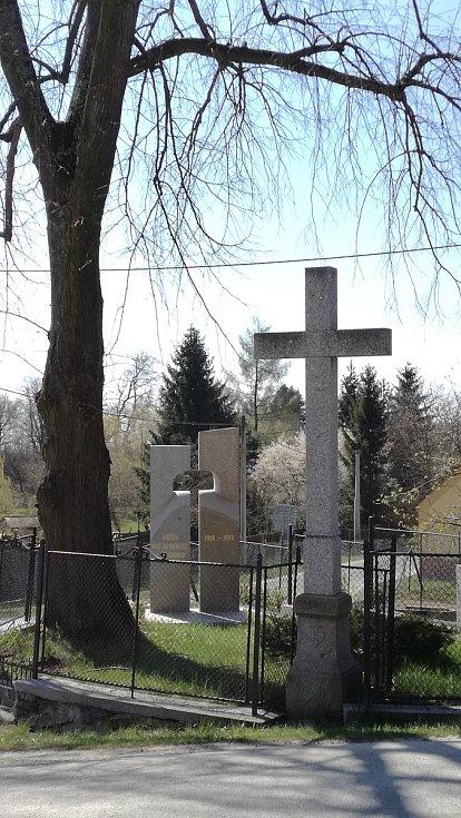 Obec Střezimíř.