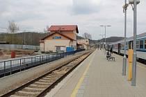 Budování dopravního terminálu v Týnci nad Sázavou.