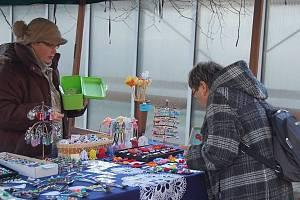 Vánoční trh oživí areál benešovské nemocnice již počtvrté.