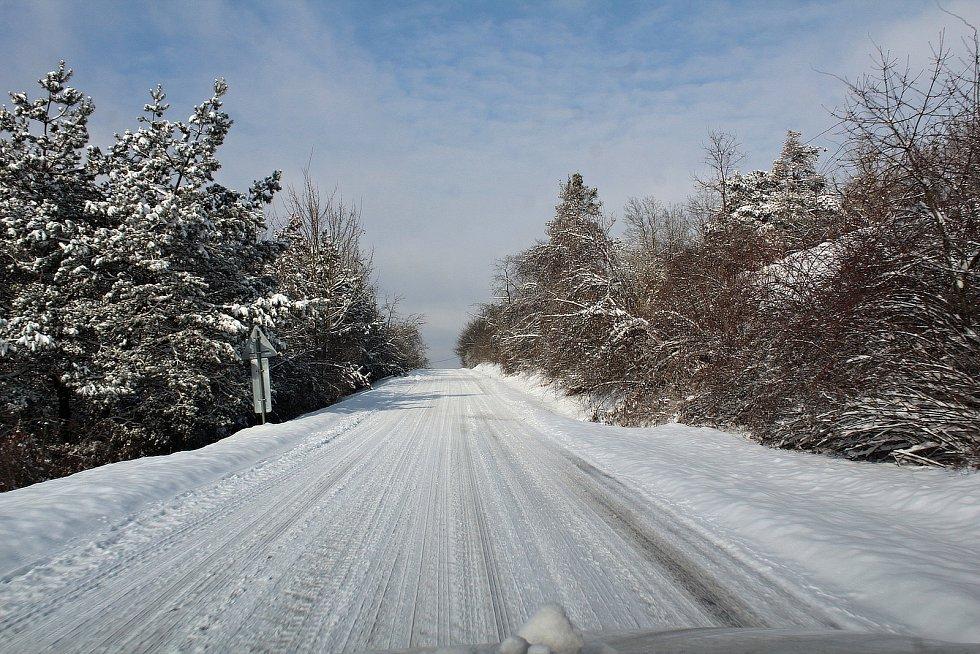 V Peceradech v pondělí 8. února 2021 po vydatném nočním sněžení.