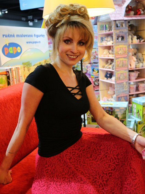 Markéta Harasimová je úspěšná spisovatelka, která má za sebou už celou řadu knih.