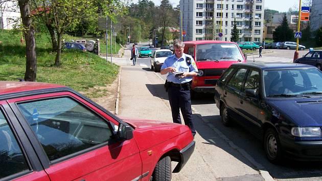 Parkování ve Vlašimi.