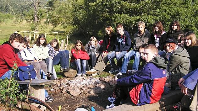 Zemědělská škola letos poprvé otevřela obor Přírodovědné lyceum. Podle učitelky Zdeňky Kotzotové se během týdne vytvořila z třiadvaceti jedinců solidní parta.