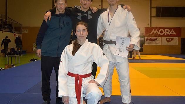 Judisté Benešova na turnajích v Olomouci, Velimi i na Memoriálu Antonína Tichého v Benešově, kde pobrali čtyři zlaté medaile.