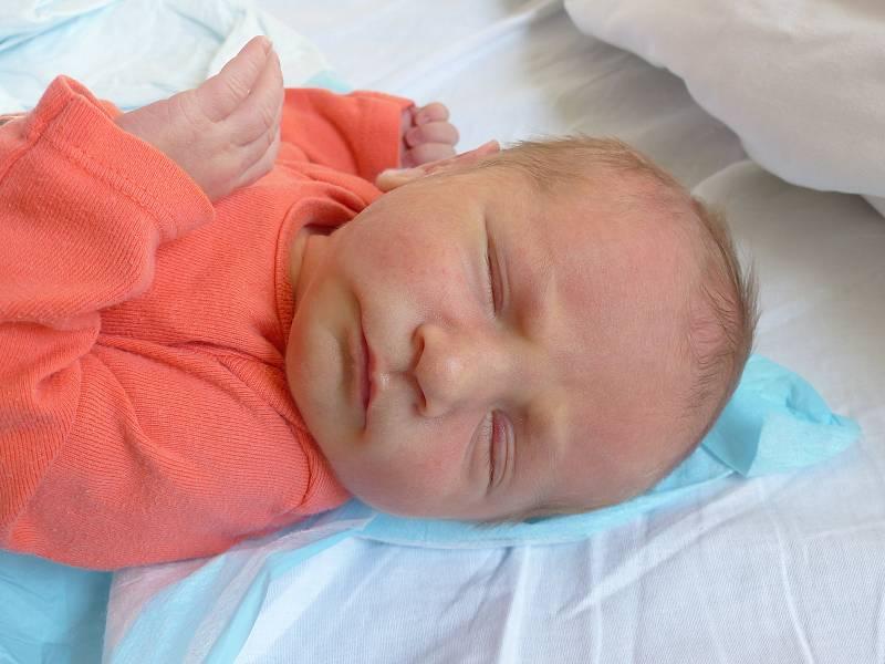 Nikol Suchánková se narodila 29. dubna 2021 v kolínské porodnici, vážila 2985 g a měřila 47 cm. V Poděbradech se z ní těší maminka Barbora a tatínek Jan.