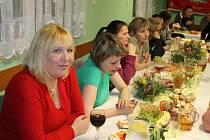 Z oslavy vítání jara a Mezinárodního dne žen ve Smilkově.