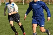 Ve fotbalové I. B třídě si překvapivě snadno poradily Nespeky v okresním derby s Kondrací.