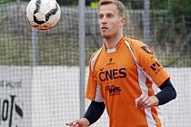 Ani dvě dílčí výhry trojkové sestavy opory Šacungu Jiřího Doubravy nevedly k výhře v derby s Čelákovicemi.
