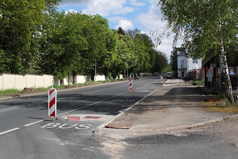 Silnici II/112 cestáři opravují také ve vlašimské Lidické ulici.