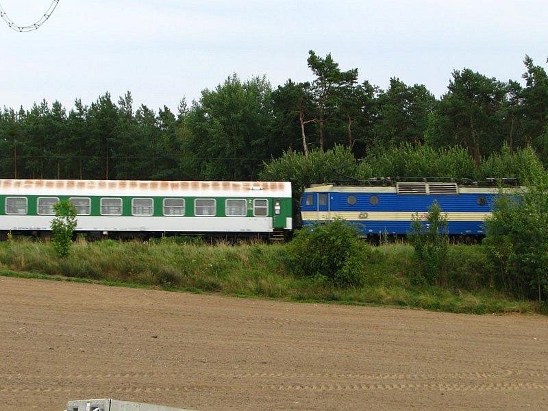 Původní, nyní už odstrojená trať mezi Olbramovicemi a Zahradnicí.