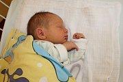 Malý Filip Šťastný se narodil 29. září ve 13.53 rodičům Michaele a Jiřímu. Při narození v benešovské porodnici vážil 2 730 gramů a měřil 47 centimetrů. Tříčlenná rodinka bude žít v Kondraci.