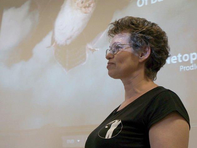 Noc s netopýry prožila v Podblanickém ekocentru stovka návštěvníků, většinou dětí. Úvodní promítání filmu odborným komentářem doplnila Dagmar Zieglerová.